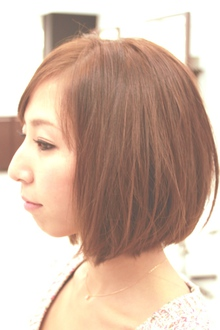 重さの中にやわらかさのあるシンプルなボブ|ARISEのヘアスタイル