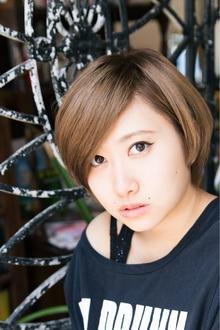 【ARISE 都立大学】スタイリッシュ耳かけショート|ARISEのヘアスタイル