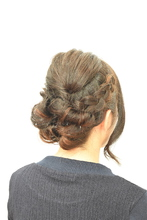 結婚式アップスタイル|Hair Frais Make ork YUKI のヘアスタイル