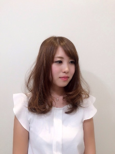 ゆるふわミディ|Hair Frais Make Toutのヘアスタイル