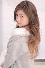ナチュラルグラデーションのロングスタイル|Hair Frais Make Machida 北田 のヘアスタイル