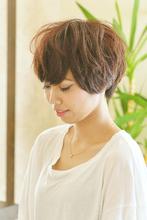ふんわりカールショート arms hair 鈴木 恵のヘアスタイル