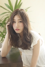 大人かわいいシフォンカール arms hair 鈴木 恵のヘアスタイル