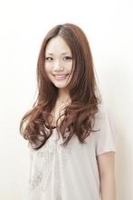 ラク、カワ、ゆれヘアー|arms hairのヘアスタイル