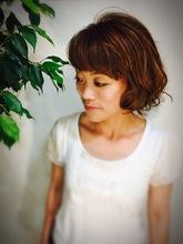 パーマで動きを出したフェミニンスタイル|髪工房 Ishigayaのヘアスタイル