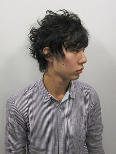 MIXカーリーショート|Rize Hairのヘアスタイル