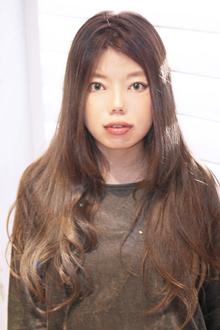 ナチュラルロング|Hair Design Annieのヘアスタイル