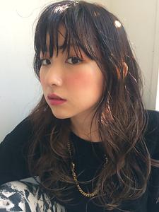 ウェーブロング|Helena tokyoのヘアスタイル