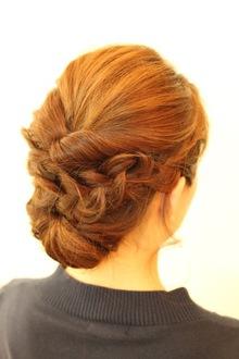 編み込みシニョン|ethicalのヘアスタイル