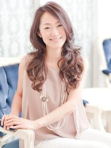 大人黒髪ロング×海外セレブ風カール☆ Hair Lounge Le'vieのヘアスタイル