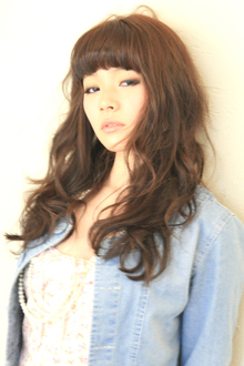 女性らしいグラマラスカール Hair&Make arsのヘアスタイル