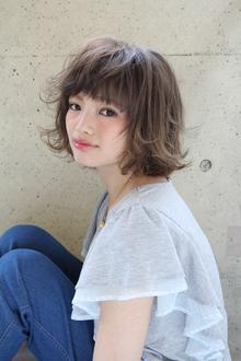 ◇遊び心たっぷり♪ハネとカラーでカジュアルボブ|Hair&Make arsのヘアスタイル