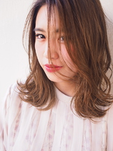 外ハネミディアム|Hair&Make arsのヘアスタイル