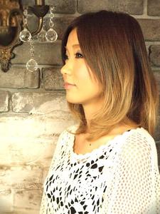 VOORDEUR〜グラデーションカラー&ミディアムボブ〜 VOORDEURのヘアスタイル