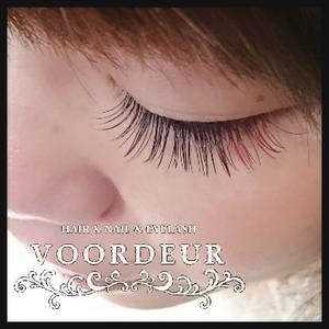 カラーエクステ|VOORDEUR -Eyelash-のヘアスタイル