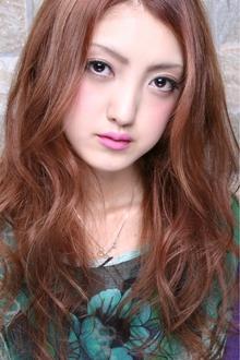 外国人風ウェービー 大人かわいいベージュアッシュ☆|TAKE CARE OR RENATAのヘアスタイル