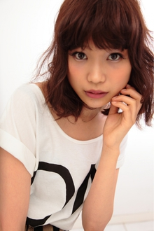 厚めバング☆大人クールウェーブ TAKE CARE OR RENATAのヘアスタイル