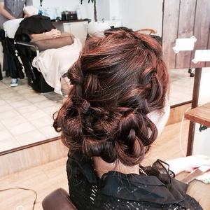 編み込みアレンジ|Dilla 西川口店のヘアスタイル