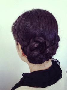 ロングの編み込みUP|TIARE hair resortのヘアスタイル
