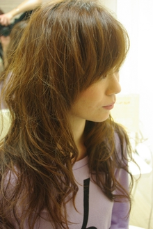 エアリーフェミニンカール|hair salon Reginaのヘアスタイル