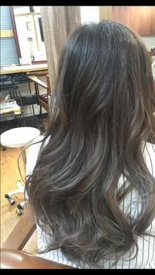 グレージュグラデーションカラー|Growのヘアスタイル