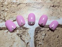 ピンク×ストーン|Grow -Nail-のネイル