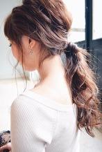 ラフローポニーテール|BAROQUEのヘアスタイル