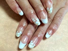 お花フレンチ|Nail Salon Clocheのネイル