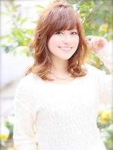 ☆春風になびく旬ミディアム パーマスタイル|Lovllのヘアスタイル