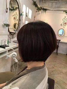 前下がりグラデーションボブ 恋する毛髪研究所のヘアスタイル