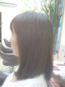内巻きセミロング 美容室オオタニのヘアスタイル