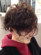外人風ルーズパーマ|macro hairのメンズヘアスタイル