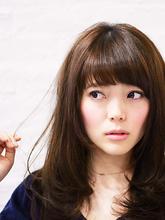 艶めきラフロング|Gratiiのヘアスタイル