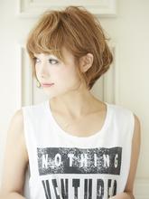 ゆるふわくせ毛風ショート|Acmi 内藤 春紀のヘアスタイル