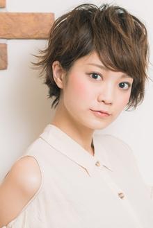 ひし形シルエットの耳かけショート☆|Acmiのヘアスタイル