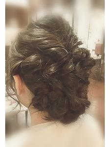 編み込みクルリンパアレンジ|Anti basicのヘアスタイル