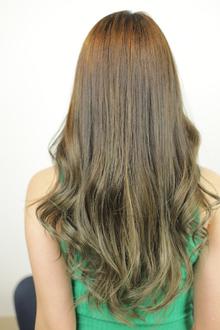伸ばしてる/傷みたくない/グラデーション/一回染め|Grand × AtlierDonguriのヘアスタイル