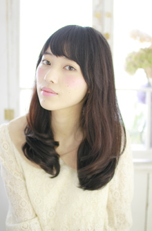 内巻きフェミニンスタイル|ZU-LU 新城店のヘアスタイル