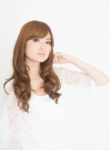 大人かわいいグラマラスカール|ZU-LU 生田店のヘアスタイル