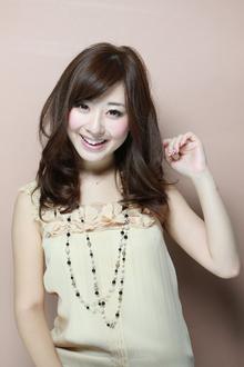 大人かわいいニュアンスカール|ZU-LU 稲田堤店のヘアスタイル