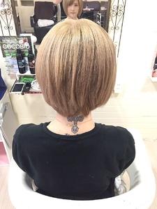 ホワイトベージュ☆|GROSS 心斎橋のヘアスタイル