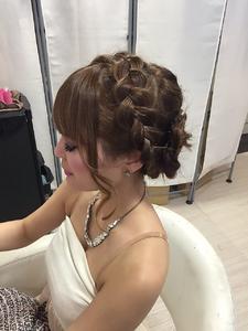 あみこみカチューシャアップ☆|GROSS 心斎橋のヘアスタイル