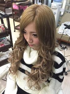 ミルクティーベージュ☆ GROSS 心斎橋のヘアスタイル