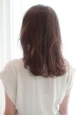 肩下ミディアムのふわふわヘア