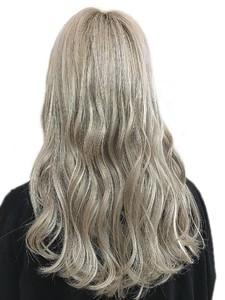 ホワイトグレージュ/外国人風カラー|hair salon JOJOのヘアスタイル