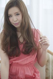 【LAVIERE】愛されフェミニンウェーブ 西村|LAVIERE by R-EVOLUTのヘアスタイル