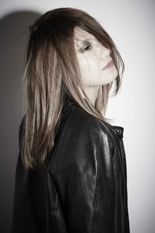 Iron Maiden|LAVIERE by R-EVOLUTのヘアスタイル