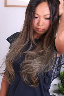 ★超ロングレージュ×グラデーションカラー★ LAVIERE by R-EVOLUTのヘアスタイル