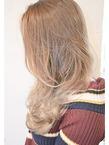 【LAVIERE】外国人風イノセントホワイト/西村|LAVIERE by R-EVOLUTのヘアスタイル