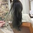 ベースはイルミナカラーのオーシャンで圧倒的透明感のある赤み抹殺グレージュに。ハイライトはライフスタイルに合わせて入れていきます!是非ご相談を。Instagram アッシュくん fqk3|LAVIERE by R-EVOLUTのヘアスタイル
